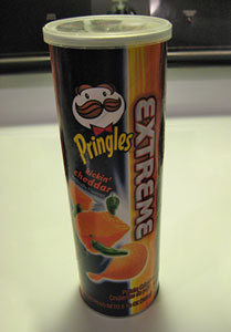 Pringles Extreme Flavors Kickin' Cheddar Potato Chips