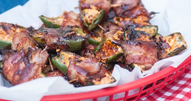 smoky-stuffed-jalapenos-with-bacon